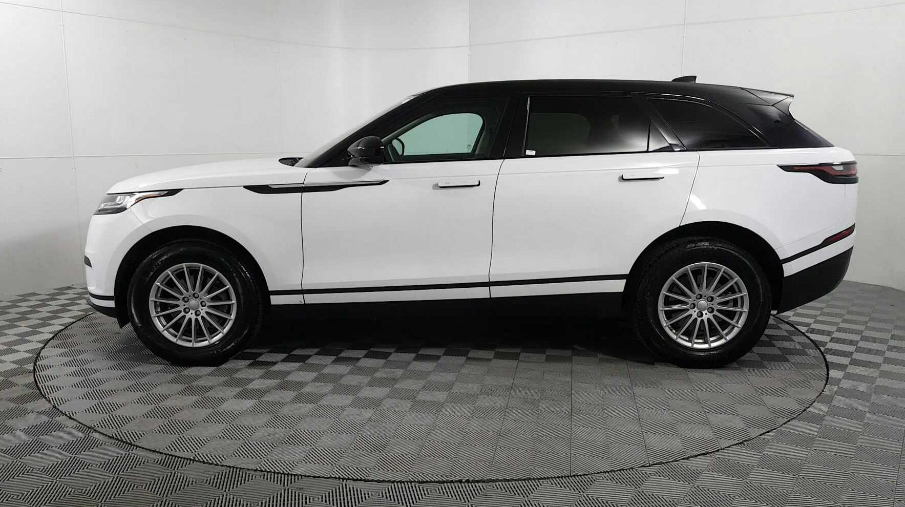 Sold 2018 Land Rover Range Velar P250 In Des Plaines Install Backup Camera Discovery 2