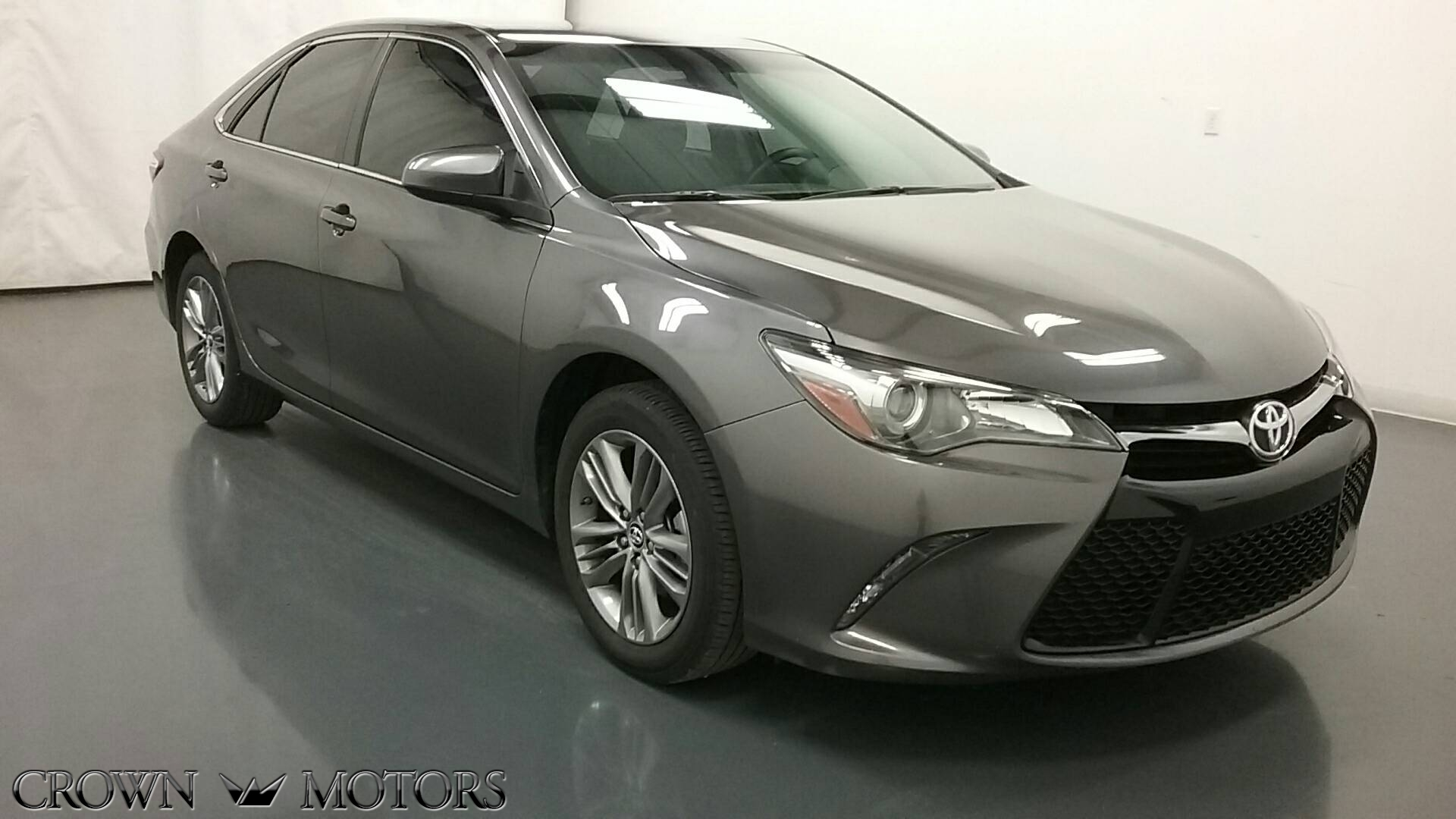 2015 Toyota Camry SE Toyota dealer in Holland MI – Used Toyota