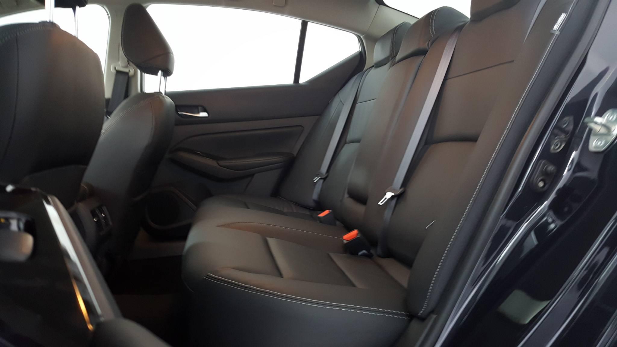 2020 Nissan Altima 4dr Car