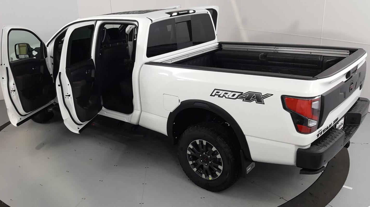 2021 Nissan Titan XD Standard Bed