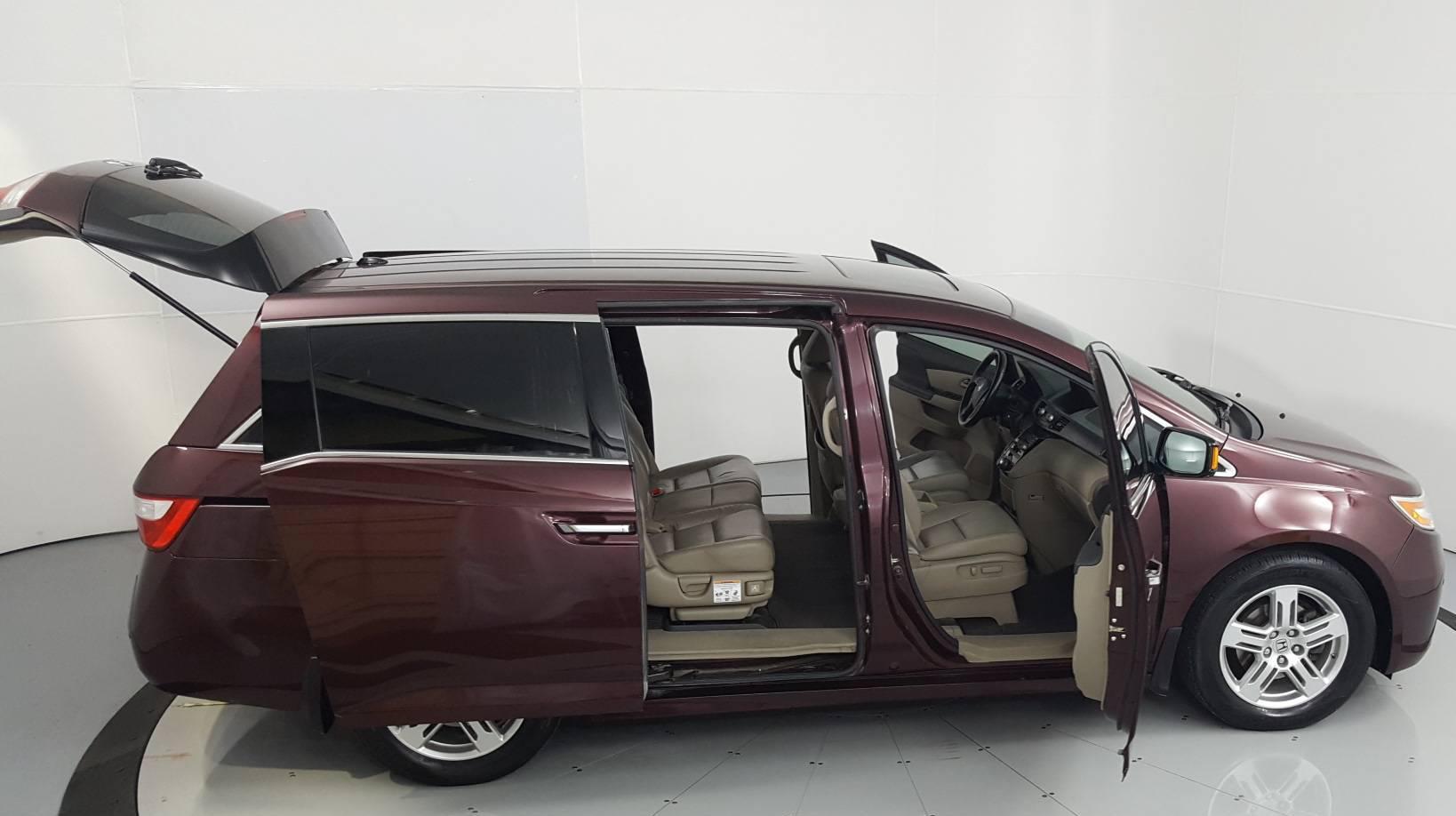 2011 Honda Odyssey Mini-van, Passenger